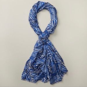 NWT Love and Lore blue & white palm printed twill scarf cobalt blue